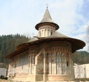 Paste-In-Bucovina-11-Manastirea-Voronet