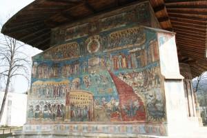 Paste-In-Bucovina-14-Manastirea-Voronet