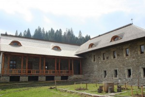 Paste-In-Bucovina-15-Manastirea-Voronet