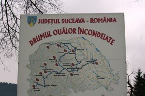 Paste-In-Bucovina-2-Drumul-Oualor-Incondeiate
