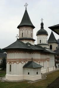 Paste-In-Bucovina-59-Manastirea-Secu