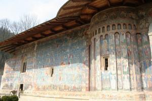 Paste-In-Bucovina-13-Manastirea-Voronet
