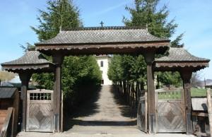 Paste-In-Bucovina-27-Intrare-Manastirea-Humorului