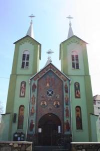 Paste-In-Bucovina-30-Biserica-Icoanei-Care-Plange