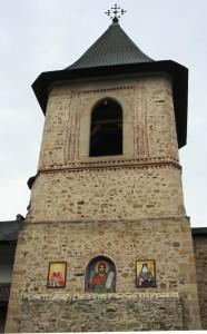 Paste-In-Bucovina-52-Manastirea-Secu