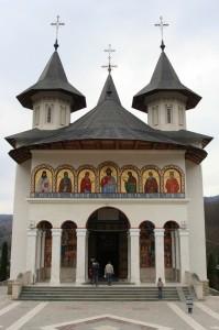 Paste-In-Bucovina-66-Manastirea-Sihastrie